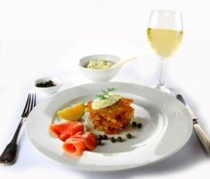 food_wine_salmon_218907